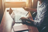 Abertas inscrições para formação de banco de avaliadores de artigos