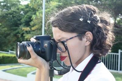 Kézia tem 18 anos  e  dez da paixão por fotografia uma forma de ganhar dinheiro