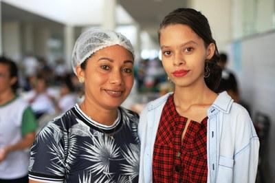 Edivania e filha Kezia, egressa do CBVZO