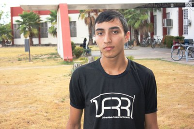 Vinícius Galvão, 18, foi aprovado no vestibular antes de concluir o curso técnico no CBVZO. Ele também soma a aprovação no concurso público da Prefeitura de Boa Vista