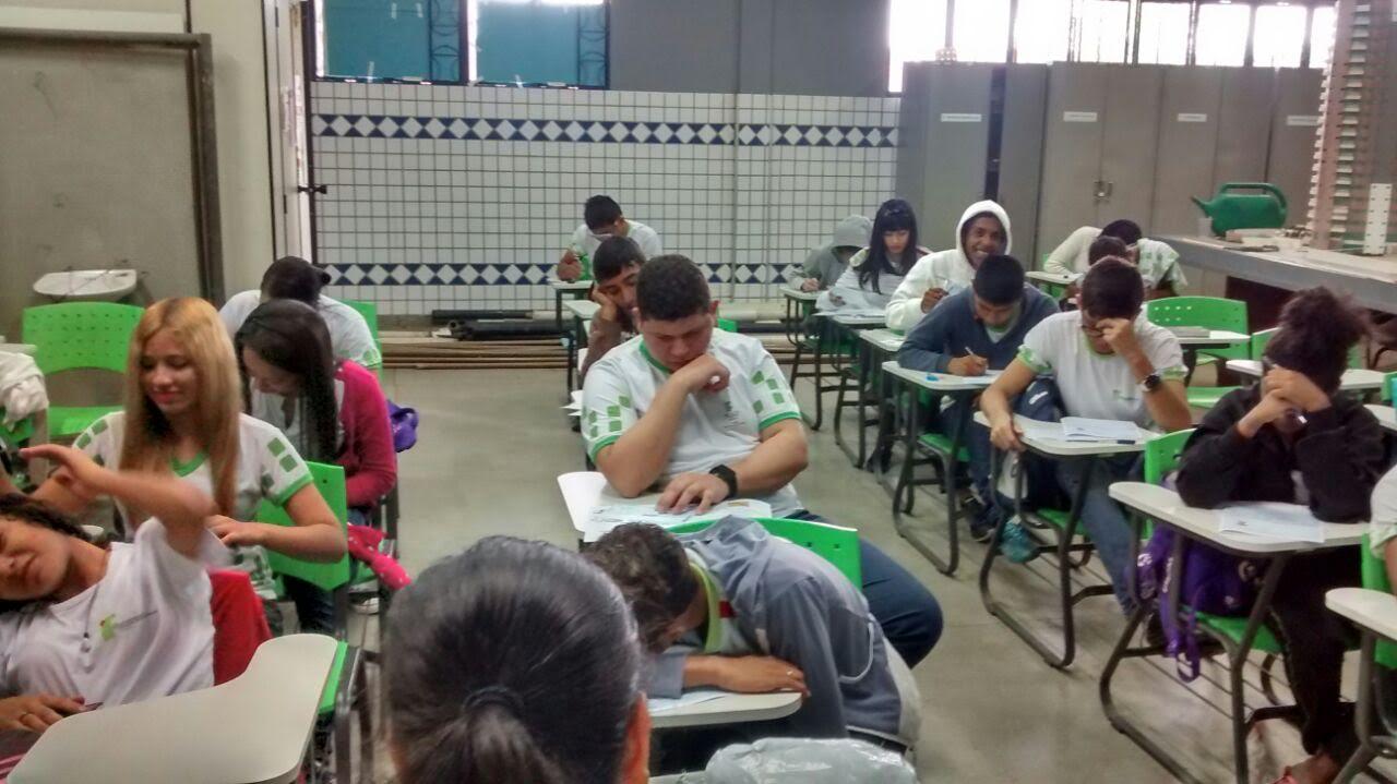 Mais de 170 alunos do CBVZO participam  das Olimpíadas Brasileiras de Matemática
